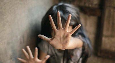 Horror a kisházban: élőben közvetítették, ahogy egy kétéves gyerekeket bántalmaznak szexuálisan – 18+