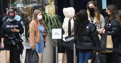 Bejelentették, néhány angliai körzetben dominánssá vált a vírus indiai változata