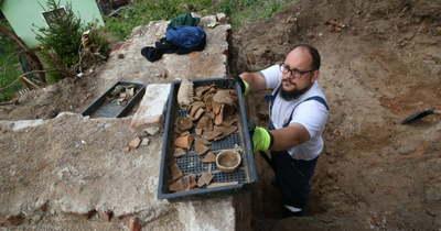 Különleges leletek kerültek elő a berzencei vár feltárásakor