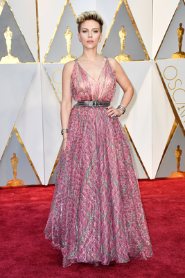 Scarlett Johansson díjat nyert, de ami ezután történt, arra nincs magyarázat - Videó