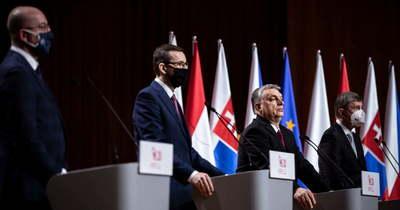 Orbán: Nem kellene végre a nyugatiakkal egyenrangú tagállamként viselkednünk?