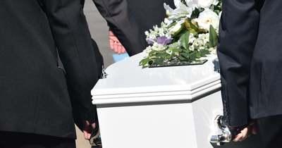 Teljes döbbenet, a családja ajtaján kopogott be az elhunyt, majd eltemetett anya