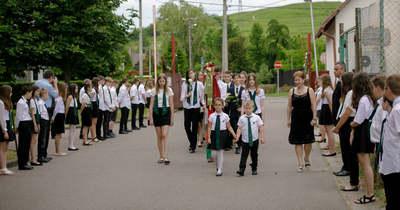 Elbúcsúztak a pásztorvölgyis végzősök szeretett iskolájuktól