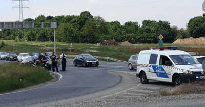 Motorbaleset történt a 8-as úton