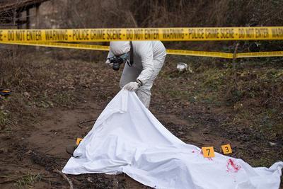 Erdőben találtak rá a fiatal nő holttestére: több tényező is nehezíti a rendőrök munkáját