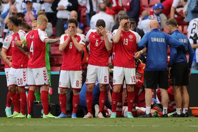 Euro-2020: Újra kellett éleszteni Christian Eriksent - félbeszakadt a meccs