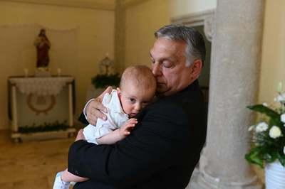 Megható képet tett közzé Orbán Viktor
