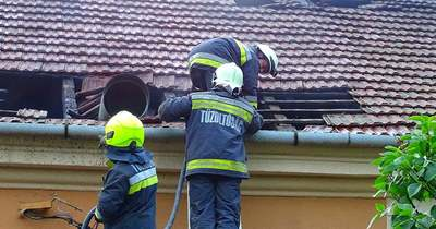 A tetőre is átterjedtek a lángok a csongrádi vendéglátóhelyen – Fotók
