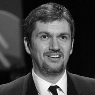 Hadházy Ákos (Facebook):  Müller Cecília hamukázik