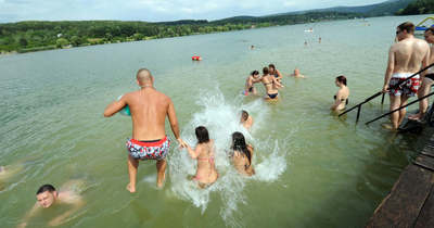 Ezen a nyáron is három tavunkban szabad a fürdőzés