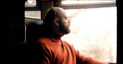 Balatoni retró vonatos videó a Kővágóörsön gazdálkodó zenésztől