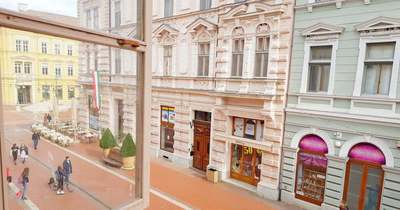 A hét ingatlana: lakás a történelmi Kárász házban! – Fotók