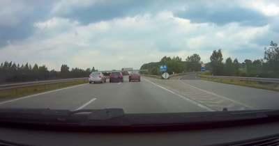 Vérfagyasztó húzás, két autó között előzött egy ámokfutó az M0-on – Videó!