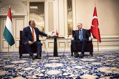 Orbán Viktor Törökország államfőjével tárgyalt
