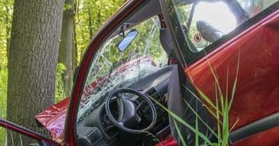 Árokba hajtott egy autó az M7-esen Kajászónál