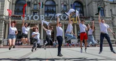 Flashmob 750 – Együtt táncoltak a győri középiskolások – fotók
