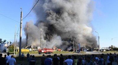 Hatalmas robbanások az autópálya mellett – közel 30-an sérültek meg