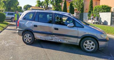 Felborult egy autó Szombathelyen