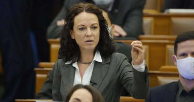 Szabó Tímea újra fröcsögött és provokált az Országgyűlésben
