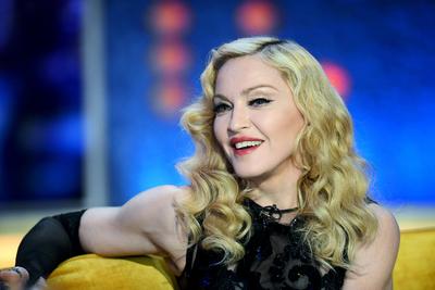 Szavak sincsenek Madonna legújabb fotójára: ufóba oltott plasztikszörnynek néz ki az énekesnő