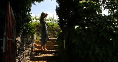 Egy titkos kert válogatott borokkal