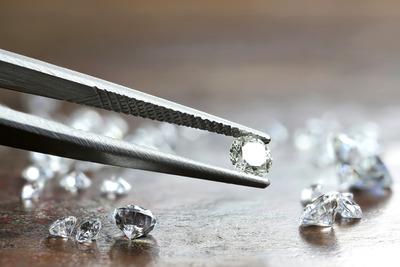 Gyémántláz tombol egy dél-afrikai faluban, több mint ezer kincsvadász érkezett oda