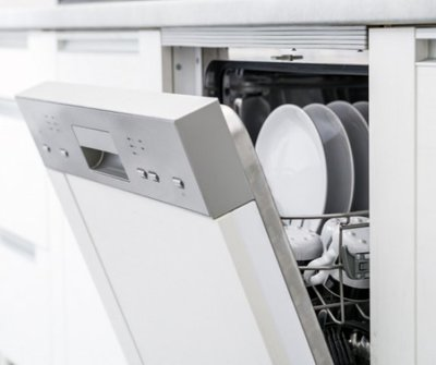 Az egyetlen dolog, amit minden hó elsején meg kellene tenned a mosogatógépeddel