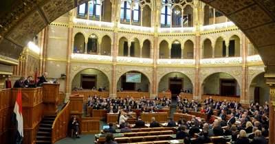 Elfogadta az Országgyűlés a pedofilellenes törvénycsomagot