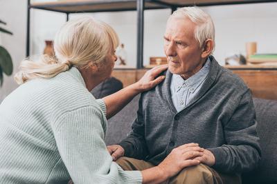 Vitatott hatású Alzheimer-kór elleni gyógyszert engedélyeztek