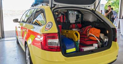 Új mentőorvosi autót adtak át Sopronban – fotók