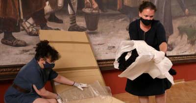 Bemutatták a ruhát, amiben Sisit meggyilkolták – Fotók