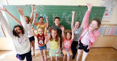 Vége a tanításnak, kitört a vakáció, elballagtak a végzős diákok Vas megyében