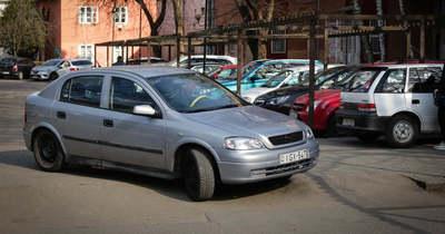 Döbbenetes, mit meg nem tesznek a parkolni vágyók Egerben