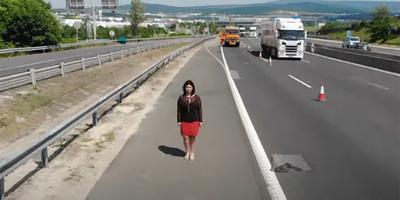 Halálra gázolták a férjét az M0-son, szívszorító videóval üzent a gyorshajtó autósoknak - videó
