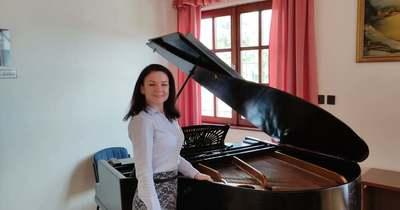 Zongorát ajánlott fel egy helyi család Tiszavárkonynak