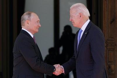 Megkezdődött a Putyin-Biden csúcstalálkozó