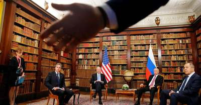 Kaotikus jelenetekkel indult a Biden–Putyin-csúcs + videó