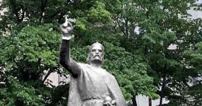 A főpolgármester Kispestre száműzte Szent Istvánt
