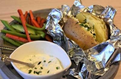 Ezért kell szódabikarbóna az alufóliában sült krumplihoz