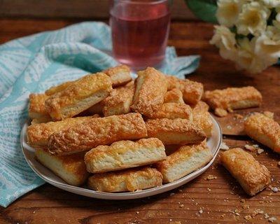 30 perces sajtos rúd: sütőporos recept, amit keleszteni és pihentetni sem kell!