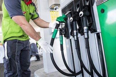 Kiderült, mennyire népszerűek itthon a prémium üzemanyagok