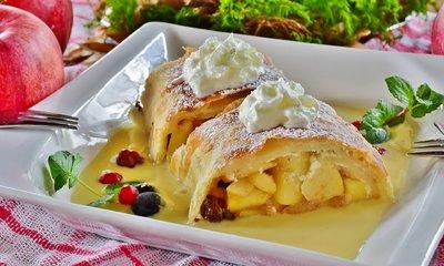 Ma van az almás rétes világnapja, ünnepelje vaníliafagylalttal!