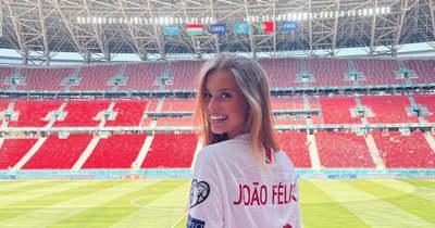 Büszke lehet brutálisan dögös barátnőjére a portugálok sztárja – Fotók!