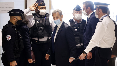 Börtönt kért az ügyész Nicolas Sarkozyre