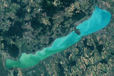 Ritka kivételek közé sorolja a Balatont a NASA