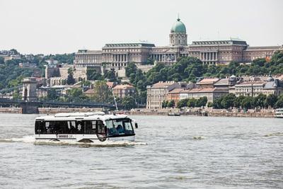 Kétéltű jármű bukkant fel a Duna budapesti szakaszán