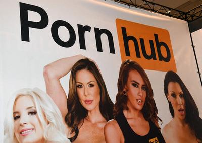 Több mint harminc nő bepereli az egyik legnagyobb videómegosztó pornóoldalt