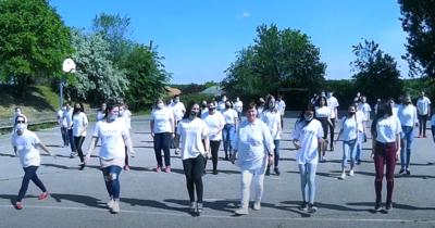 A Szolnoki Szakképzési Centrum oktatói és diákjai is táncoltak