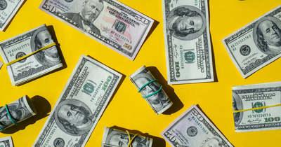 Kéthavi csúcson a dollár