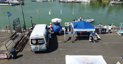 Egy hajóban lehettek a rendőrökkel a gyerekek